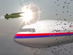 mh17-being-hit-with-a-missile